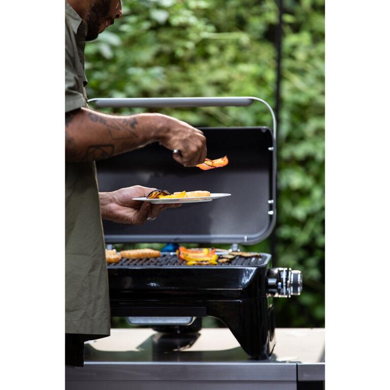 Campingaz Attitude 2Go Table Top Gas BBQ, Compact Portable Gas Barbecue image 4